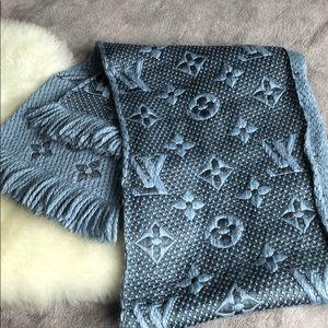 Louis Vuitton Accessories - Louis Vuitton silk wool scarf